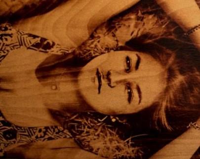 портрет на дереве на заказ в Кирове